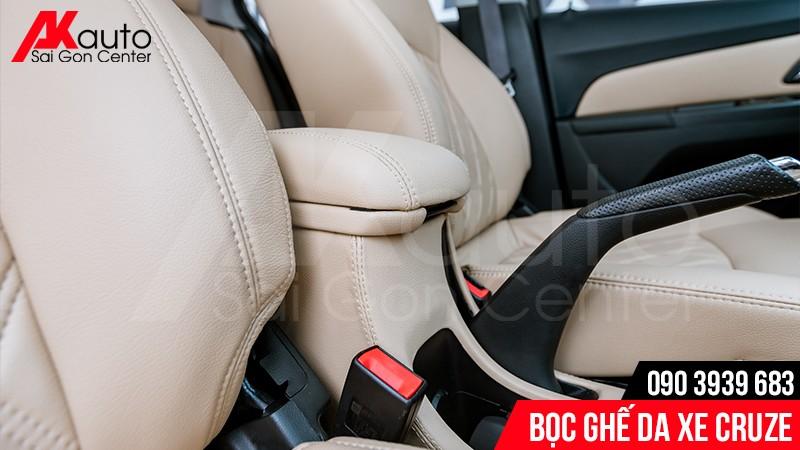 vệ sinh ghế da ô tô đúng cách