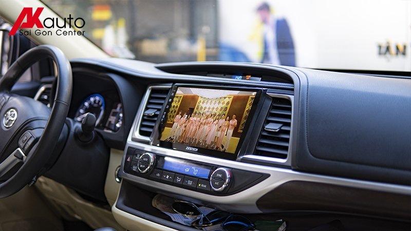 giải trí online màn hình ô tô