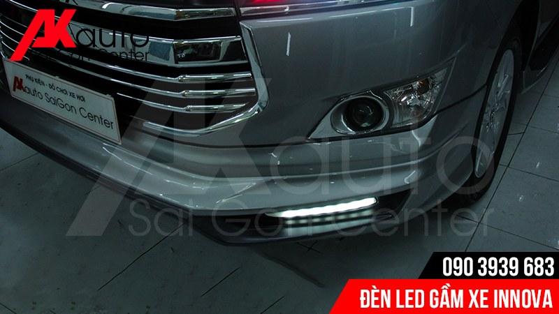 độ đèn led gầm xe innova