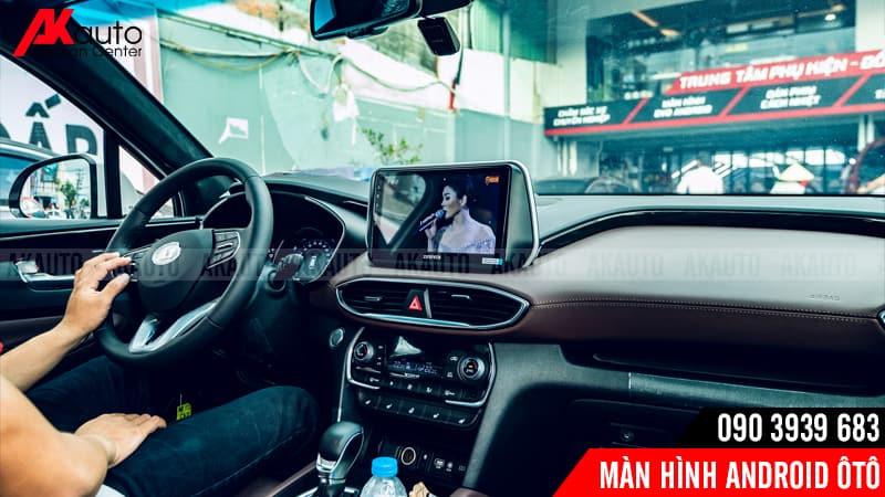 màn hình kết nối internet giải trí trực tuyến