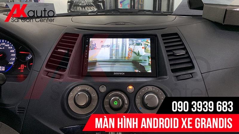 màn hình ô tô grandis hiển thị camera