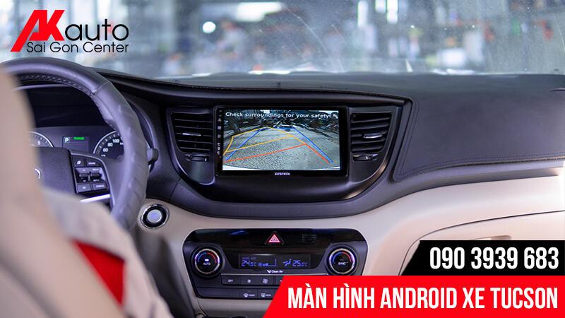 màn hình ô tô tucson tích hợp camera