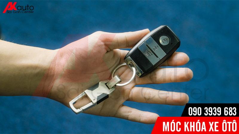 móc chìa khóa ô tô