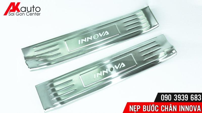 phụ kiện nẹp bước chân xe innova không đèn