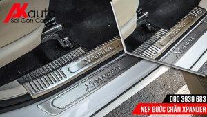 lắp nẹp bước chân bảo vệ xe xpander hcm