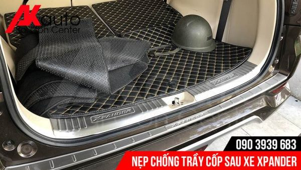 lắp nẹp chống trầy cốp xe xpander