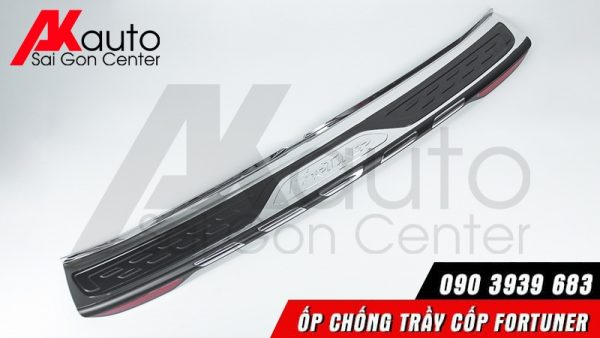 Thanh nẹp chống trầy cốp fortuner