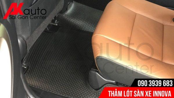 xe innova lót sàn cao su