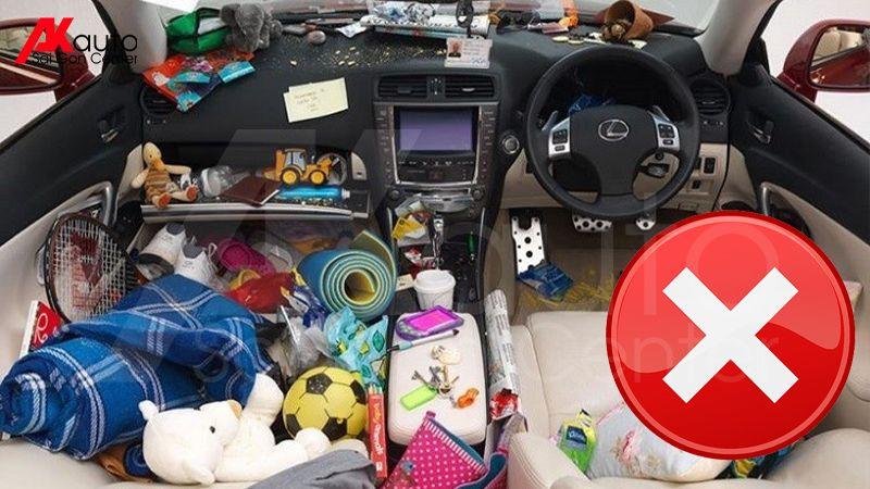 hạn chế để đồ đạc trong ô tô tránh nóng