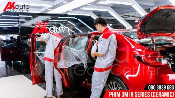 dán phim cách nhiệt 3M ir series xe ô tô