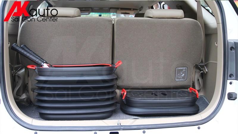 hộp đựng đồ xe ô tô