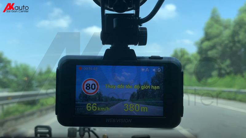 camera hành trình ô tô đọc biển báo giao thông