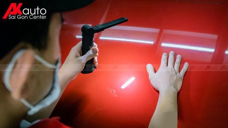 kiểm tra lỗi bề mặt sơn ô tô